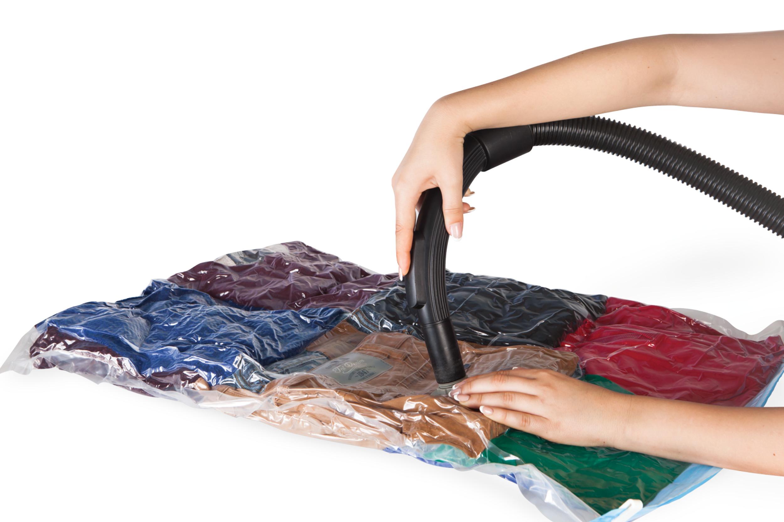 שקיות ואקום לאחסון מוצרי טקסטיל – לחסכון משמעותי של מקום בארון